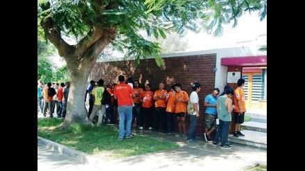 Trujillo: hinchas poetas se inscriben para alentar a su equipo en Lima
