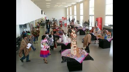 Ayacucho: artesanos exponen productos en feria Unko