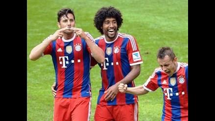 Claudio Pizarro es campeón de la Bundesliga con Bayern Munich