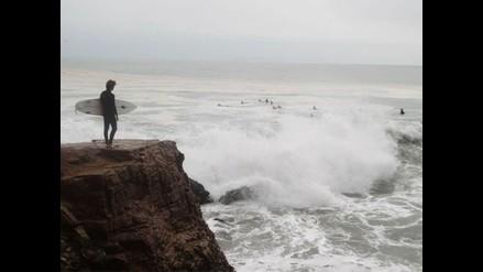 Oleajes de moderada a fuerte intensidad en la costa central para el jueves