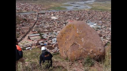 Puno: gran roca amenaza a pobladores y estudiantes de Desaguadero