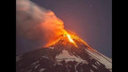 Japón: Elevan la alerta por erupción de un volcán cercano a Tokio