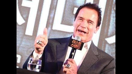 Arnold Schwarzenegger recreó sus películas en 6 minutos