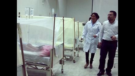 Marisol Espinoza supervisó hospital Santa Rosa por dengue