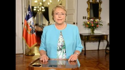 Chile: Michelle Bachelet pide la renuncia de todo su gabinete y anuncia cambios