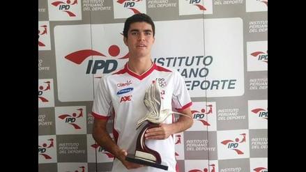 IPD entregó de manera oficial Colibrí de Plata a squashista Diego Elías