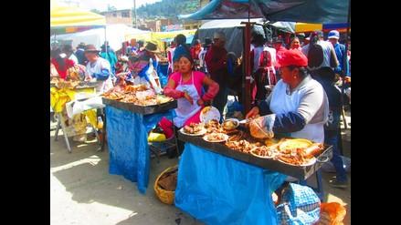 Andahuaylas: humildes madres de familia trabajan en su día