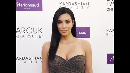 Kim Kardashian es atacada durante presentación de su libro