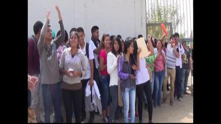 Chincha: universitarios protestaron por presuntos cobros indebidos
