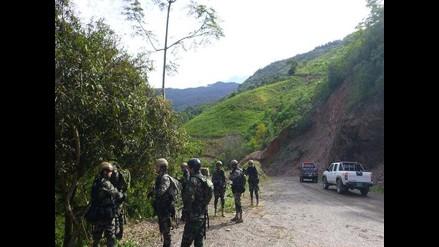 Vraem: presuntos narcoterroristas disparan contra dos vehículos militares