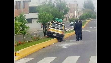 WhatsApp: taxista fuga tras chocar en Miraflores