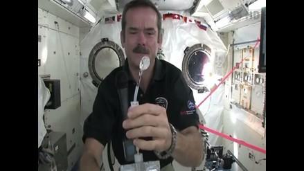 Descubre cómo viven los astronautas en el espacio