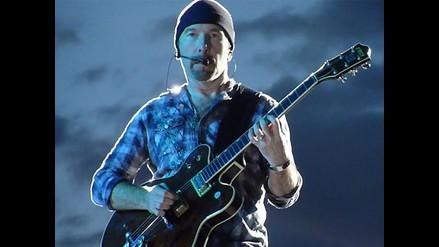 U2: The Edge sufre aparatosa caída en concierto