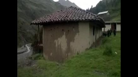 Santiago de Chuco: 80 viviendas a punto de colapsar por fuertes lluvias