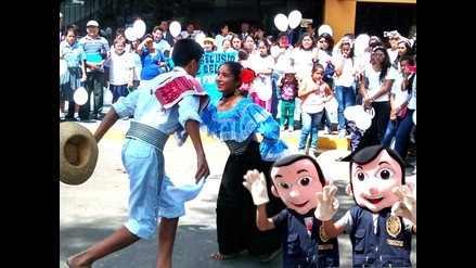Piura: fiscales escolares marcharon por aniversario de Ministerio Público