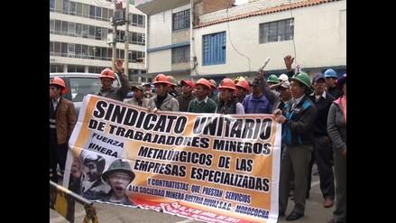 Pasco: trabajadores mineros se declaran en huelga indefinida