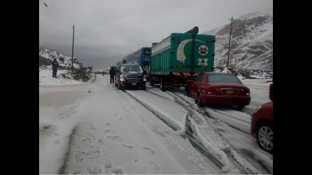 Ticlio: pasajeros varados tras bloqueo de Carretera Central por nevadas