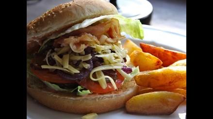 La comida chatarra extermina las bacterias necesarias para un metabolismo veloz