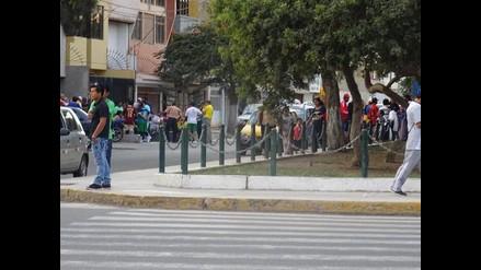 Chiclayo: exsanjosefinos convierten vía pública en cantina