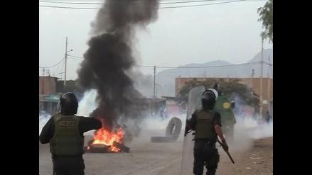 Arequipa: manifestantes y policías protagonizan enfrentamiento