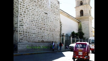 Ayacucho: desconocidos pintan mural colonial en la ciudad de Huamanga