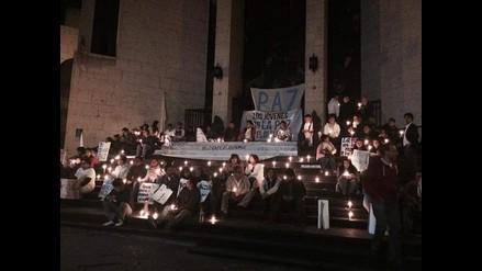 Arequipa: jóvenes realizan vigilia por la paz