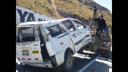Chiclayo: un muerto y seis heridos tras despiste y vuelco de combi