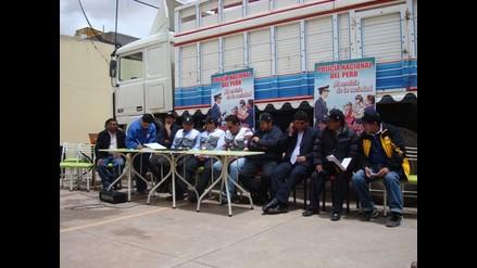 Puno: pobladores de Vila Vila suscriben acta con minera Aruntani