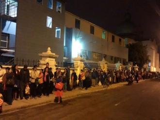 Trujillo: pacientes de hospital Belén esperan cita desde la noche anterior