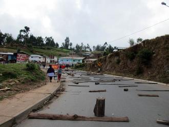 Andahuaylas: buses usan vías alternas por bloqueo de carreteras