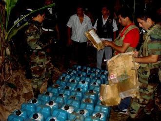 Ayacucho: incautan 9 mil galones de insumos químicos para elaboración PBC