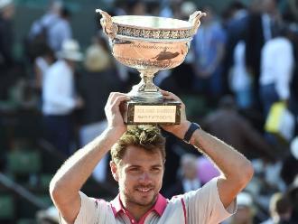Roland Garros: Wawrinka derrota al número uno Novak Djokovic y campeona