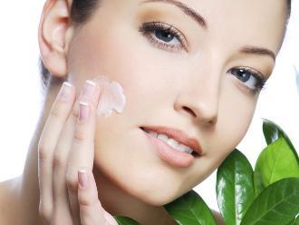Cinco alimentos que debes limitar para cuidar tu piel