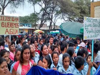 Piura: Padres protestaron para exigir docentes y servicios básicos