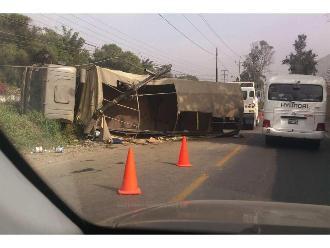 WhatsApp: 15 efectivos de La Marina heridos deja vuelco de camión en Huarochirí