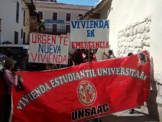Cusco: universitarios de la UNSAAC protestan frente a rectorado