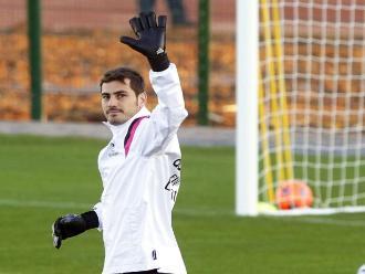 Real Madrid: Arquero Iker Casillas se marcha del club, según prensa