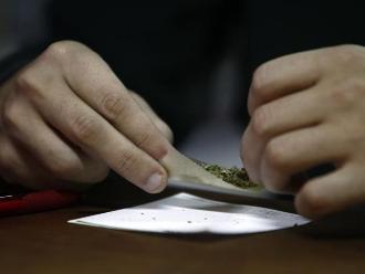 El 32% de jóvenes que consumen marihuana tiene entre 12 y 15 años