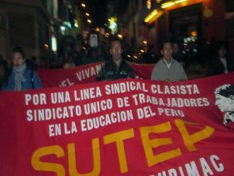 Andahuaylas: maestros del Sutep en huelga realizan marcha nocturna