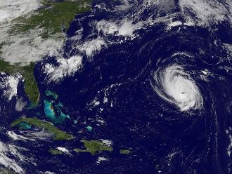 México: tormenta Carlos se convierte en huracán categoría 1