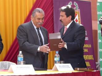 Tacna: Director de Noticias Raúl Vargas fue reconocido con el Emblema Municipal