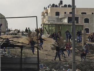 Un palestino muere atropellado por jeep militar israelí en Cisjordania