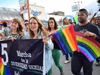 Guatemala: Homosexuales piden con marcha igualdad de derechos