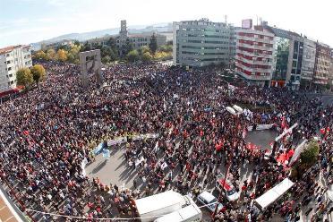 Syriza y Podemos urgen a corregir la