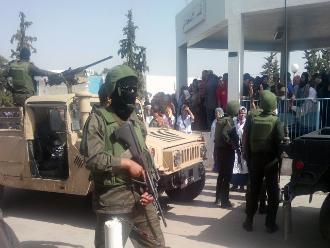 Túnez: Policía muere en tiroteo con yihadistas en frontera con Argelia