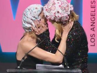 ¡Nicole Kidman y Naomi Watts se besaron!