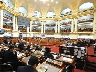 Congreso: ministros no participan en debate sobre gratificaciones