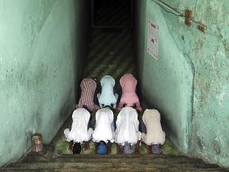 Los talibanes afganos empiezan ramadán extorsionando con cortes de luz