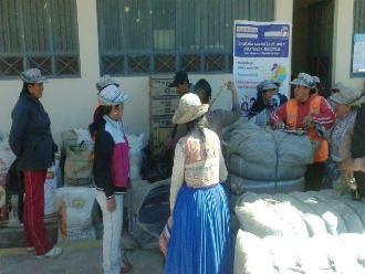 Arequipa: pobladores de Caylloma reciben ayuda por heladas