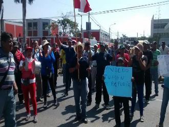 Chiclayo: azucareros protestan durante llegada del ministro del Interior